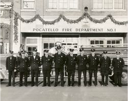 Group photo of fire fighters